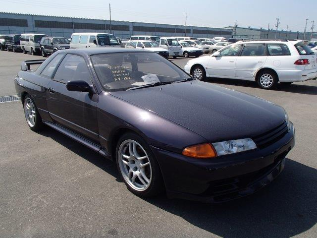 1992 Nissan Skyline R32 GTR Midnight Purple